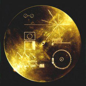 Mediální disk na palubě sondy Voyager. Foto: NASA/JPL.