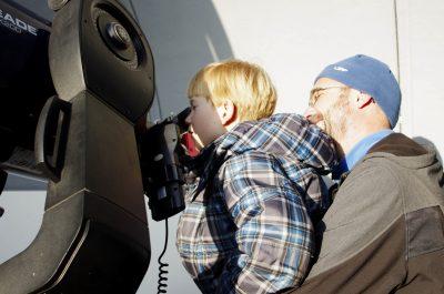 Pozorování s dalekohledem WHOO!